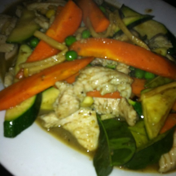 Chicken Green Curry @ Warwick Thai