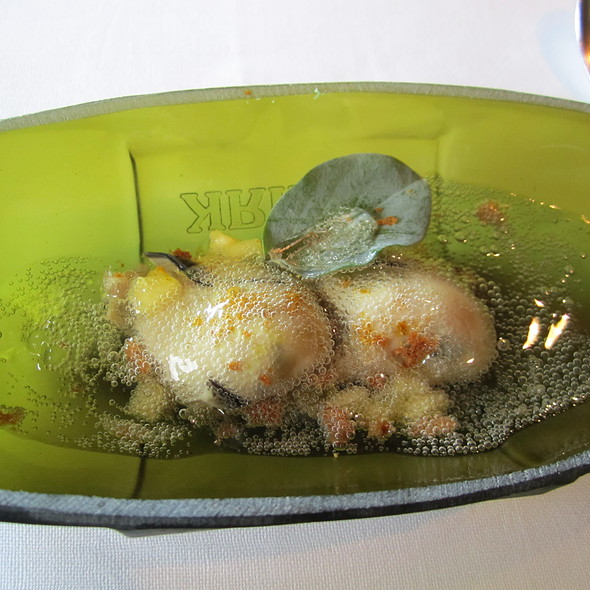 oysters / cava @ El Celler de Can Roca