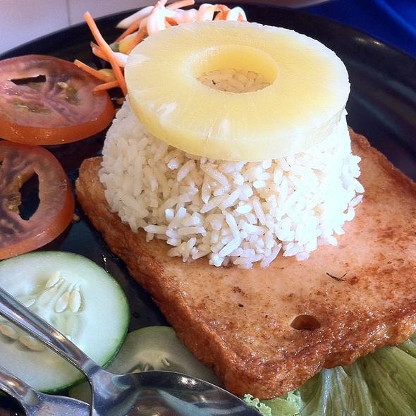 Honey Chicken @ Kafé RotiBakar University Place