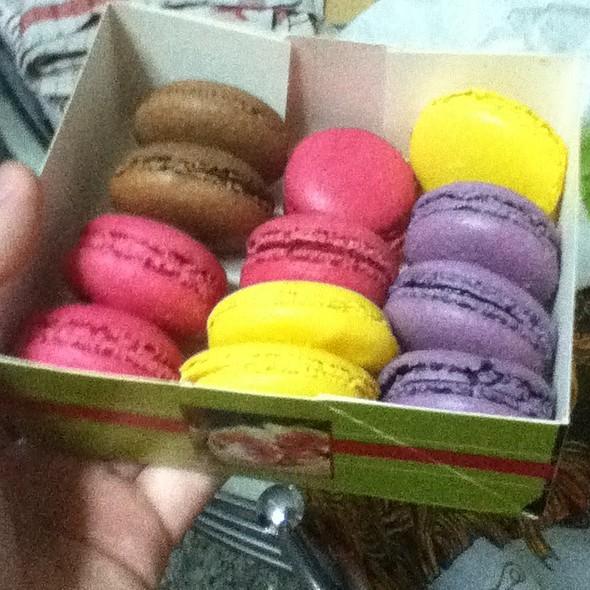 Macarons @ La Boulangerie De Paris