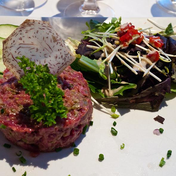 Beef Tartare @ Café du Monde (Le)