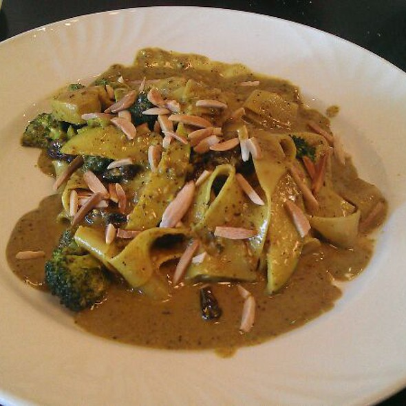 Parp Curry - Cafe Carlo, Winnipeg, MB