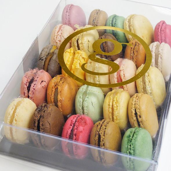 Macarons @ Maison Georges Larnicol