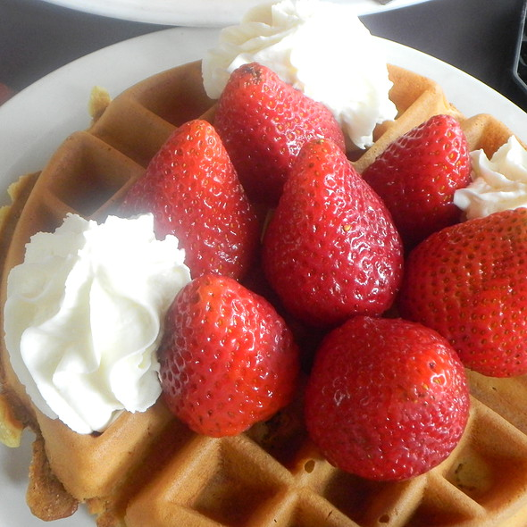 Strawberry Waffle @ Stacks