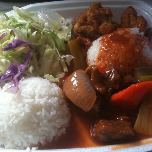 Garlic Chicken Beef Stew Mixed Plate