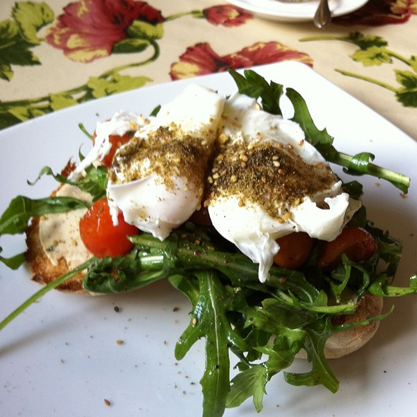 Poached Eggs With Chickpea Puree, Rocket, Tomato And Za'atar @ Toby's Estate Coffee