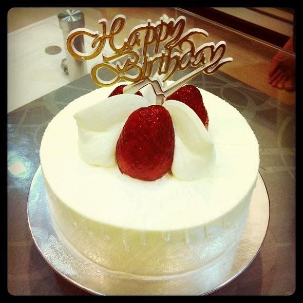 strawberry shortcake @ Rive Gauche