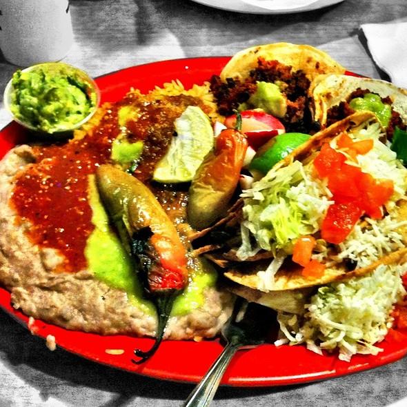 Platillo De Taco Con Chorizo Y Taco Dorado De Pollo @ My Taco
