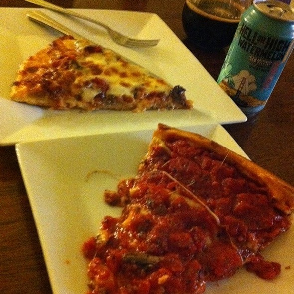 Deep Dish And Regular Slice @ Zachary's Chicago Pizza