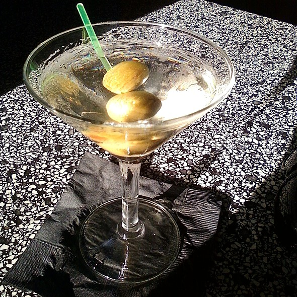 Dirty Martini @ Bar O