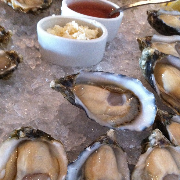 Assorted Oysters @ The Walrus and the Carpenter