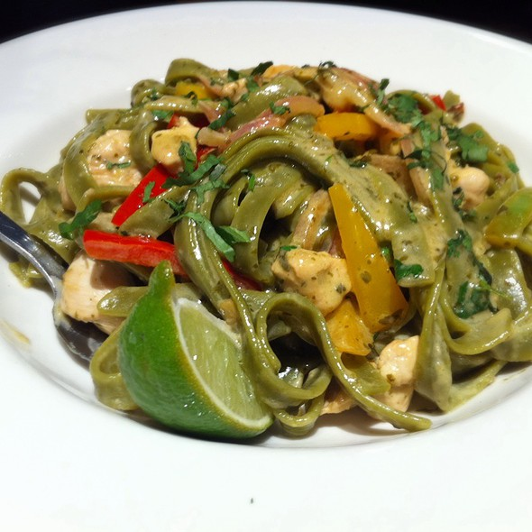 Spinach Fettuccini and Tequila Chicken @ California Pizza Kitchen