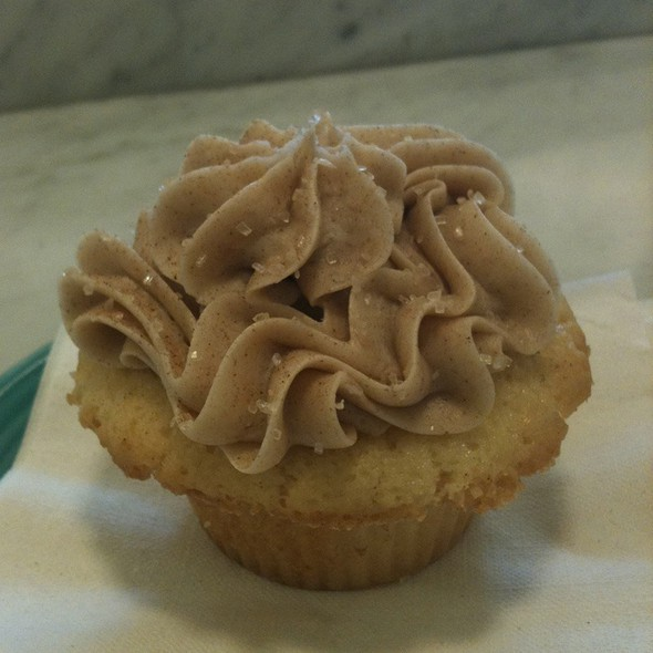 Snickerdoodle Cupcake @ Trophy Cupcakes and Party