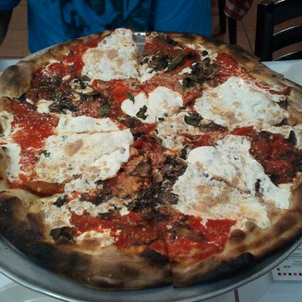 Large Pie With Mushrooms, Roasted Red Peppers, And Extra Cheese @ Grimaldi's Pizzeria