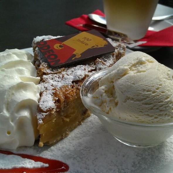 Apfelkuchen @ Cafe Odeon
