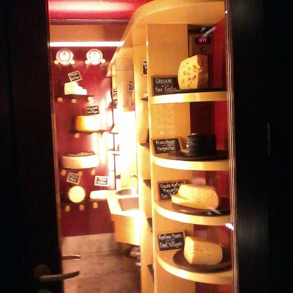 Bodega de Quesos @ Palacio Duhau - Park Hyatt Buenos Aires Hotel