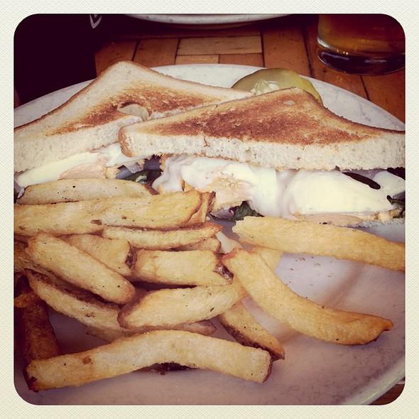 deviled egg sandwich
