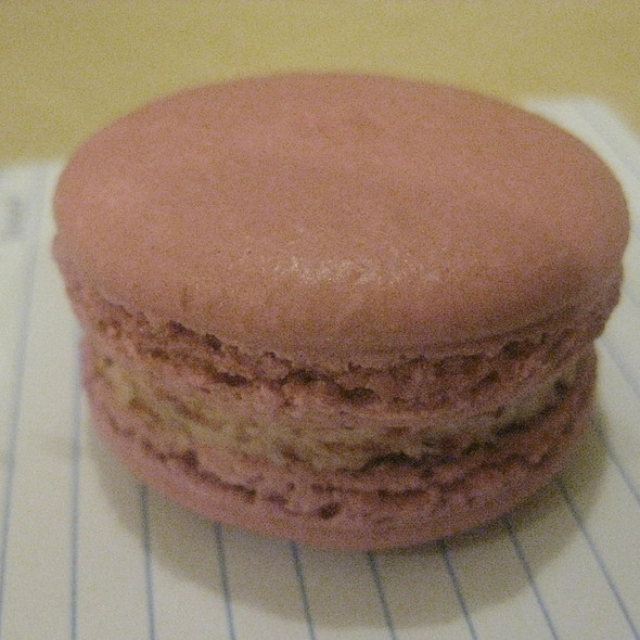 Strawberry Macarons @ Sweet Spot Macarons