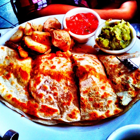 Chicken Quesadilla @ Basix Cafe