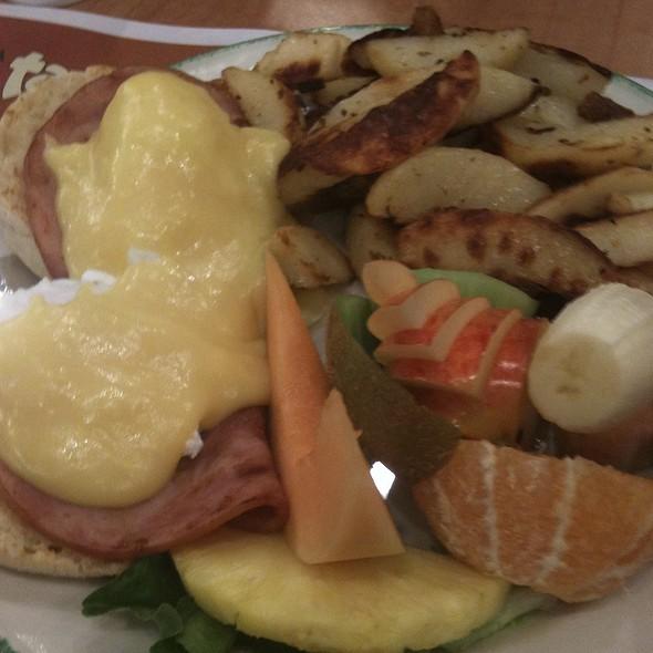 Eggs Benedict With Ham @ Cora Breakfast & Lunch Coquitlam