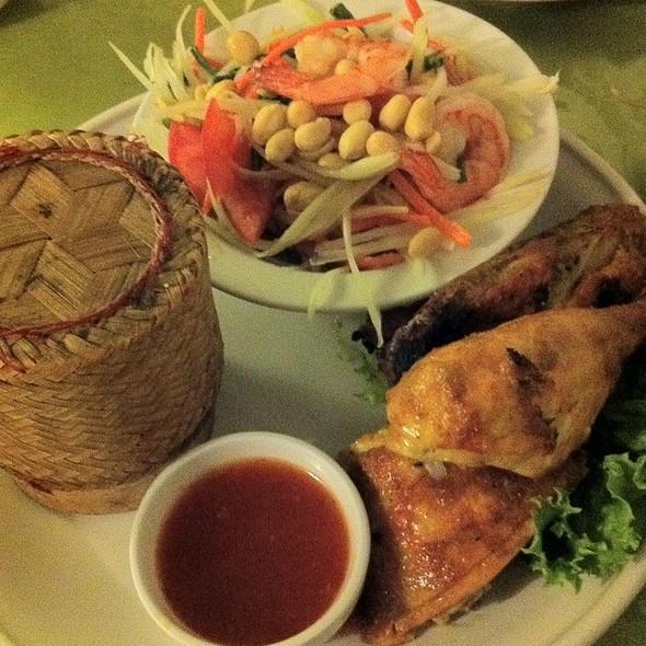 Papaya Combo @ Thai Room Restaurant