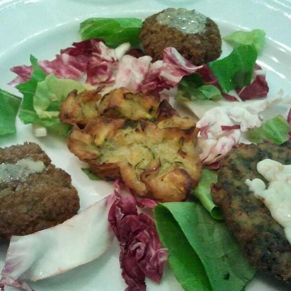 Tris di polpette (spinaci,zucchine,falafel)