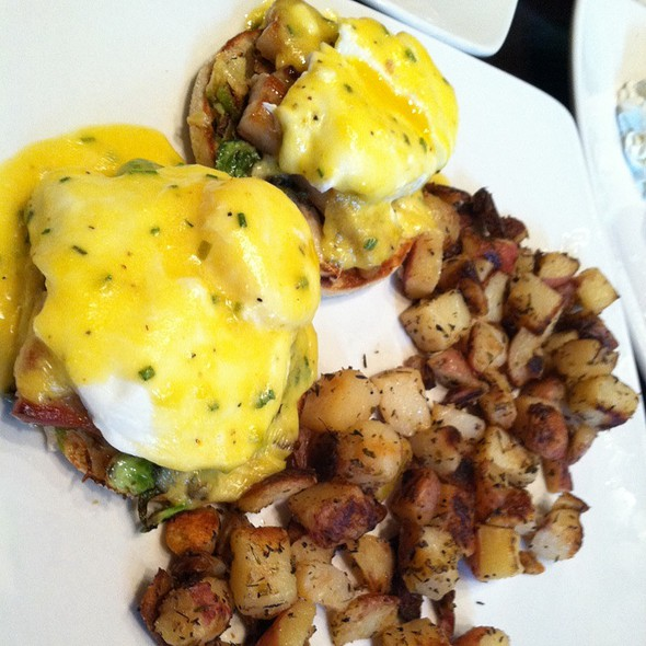 Pork Belly Confit @ Kanela Breakfast Club