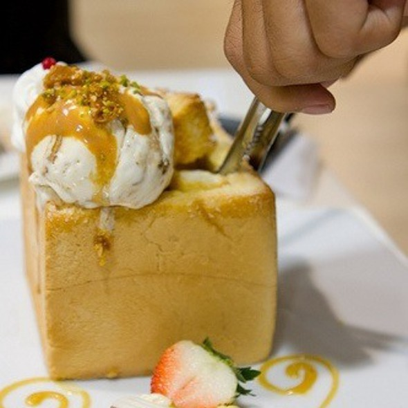 蜜糖土司 @ Dazzling Cafe - Honey Toast 蜜糖土司專賣店