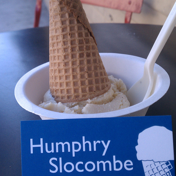 Fluffernutter Ice Cream @ Humphry Slocombe