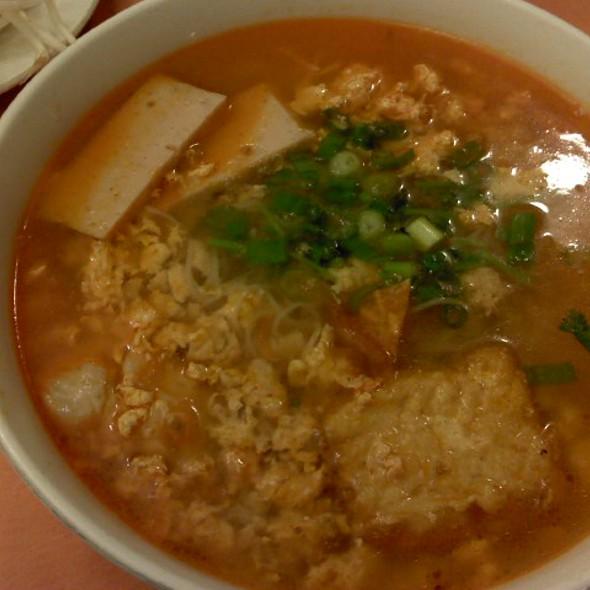 Bún Riêu Crab & Tomato Noodle Soup @ Pho Phu Quoc PPQ Beef Noodle House
