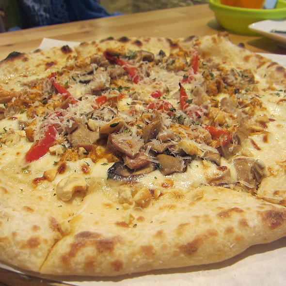 Pizza - Chicken, Bell Pepper & Sausage with Porcini Sauce @ Puzzle Pizza 拼圖比薩