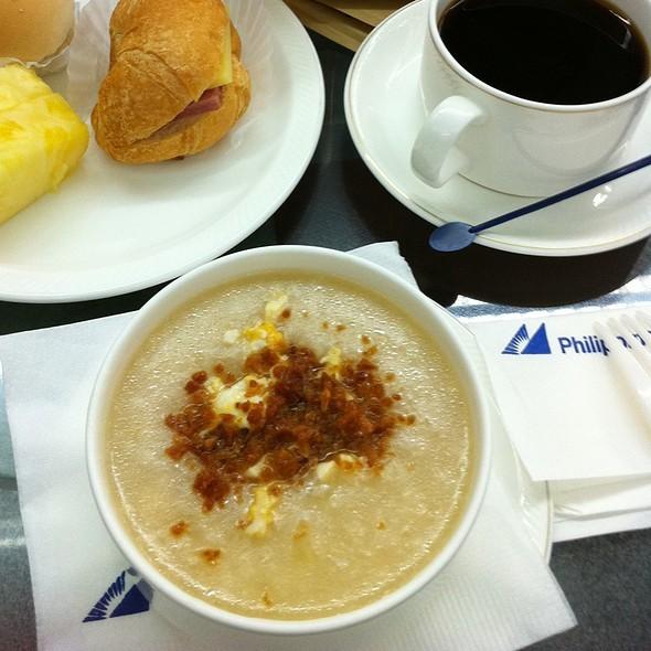 Arroz Caldo @ Mabuhay Lounge Naia 2