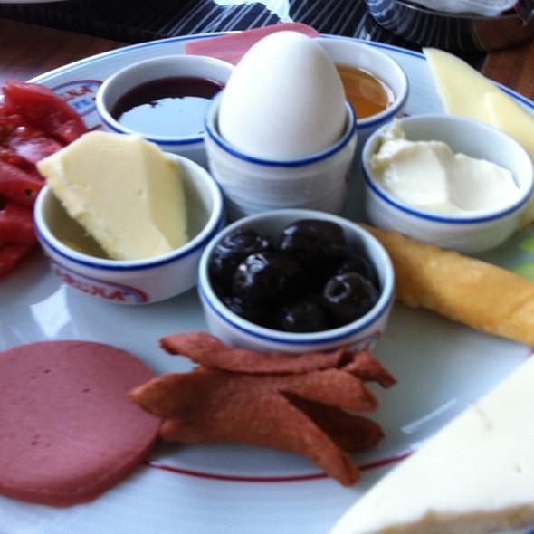 Breakfast @ Turkey