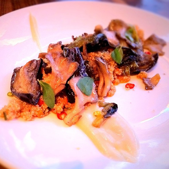 Kimberly wolfson foodspotting for Table fifty two 52 w elm st chicago il 60610