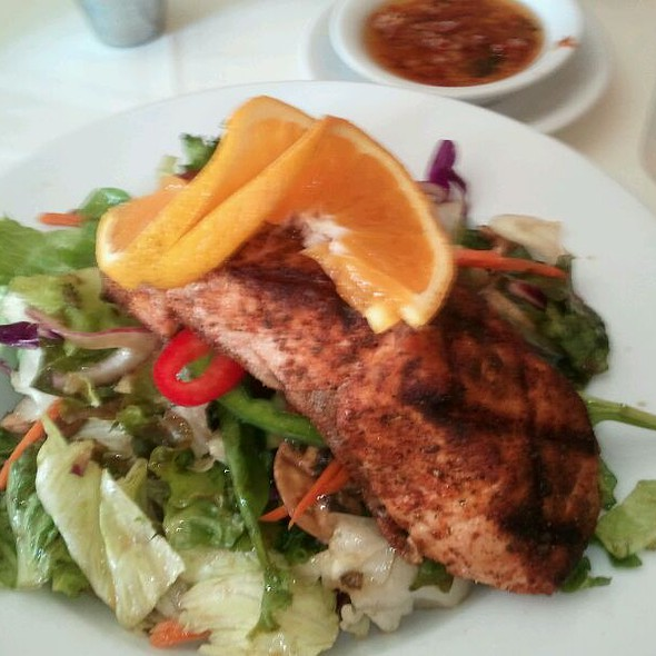 Mediterranean Salmon Salad @ Zio Fraedo's Italian & Continental Restaurant