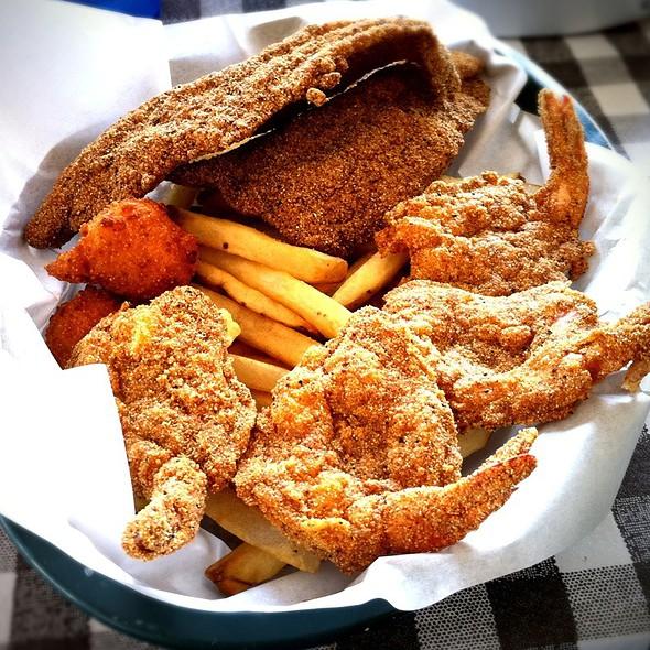Catfish & Shrimp Basket