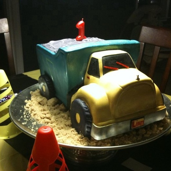 Layered Vanilla Pound Cake And Chocolate Pound Cake With Italian Buttercream- Dumptruck Style