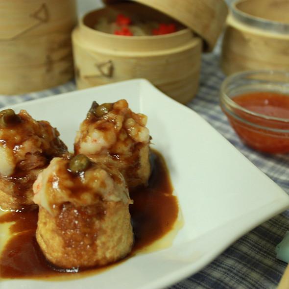Steamed Shrimp Tofu Ball @ XL Cafe community lounge