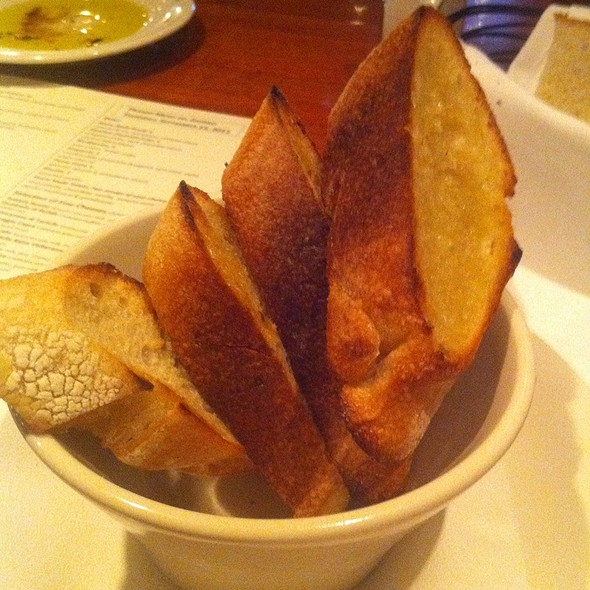 Garlic Toast Points @ Trattoria Stella