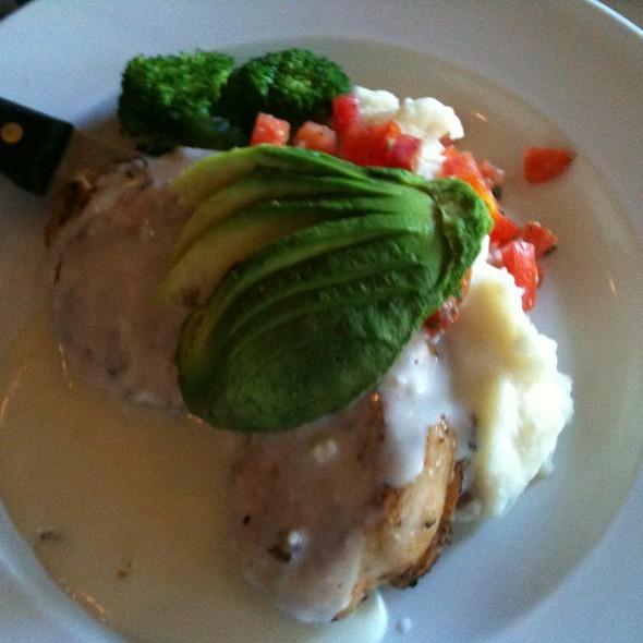 Avocado Chicken - Cafe 225, Visalia, CA