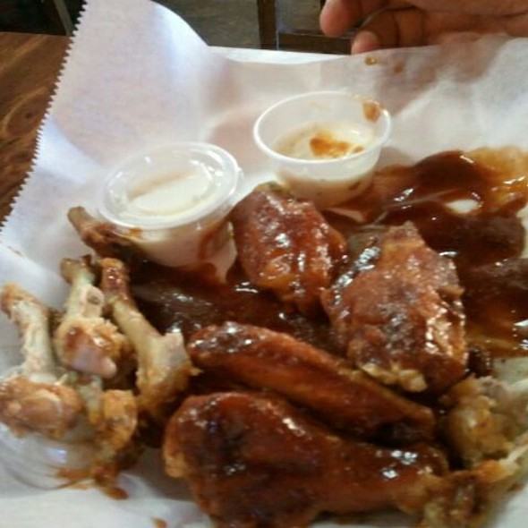 Fish wings and thangs menu antioch tn foodspotting for Wings and fish
