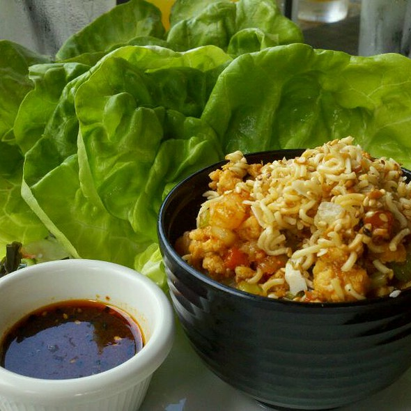 Chicken & Shrimp Lettuce Wraps @ Kona Grill