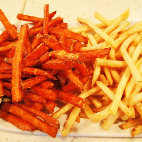 """The """"Fifty Fifty"""" Fries @ The Counter Burger"""