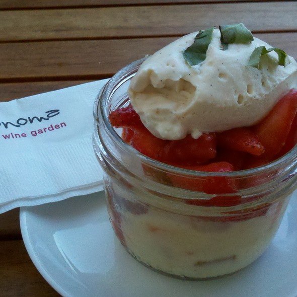 strawberry shortcake - Sonoma Wine Garden - Santa Monica, Santa Monica, CA