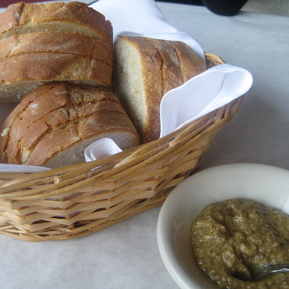Bread basket with garlic spread - Buona Terra, Chicago, IL