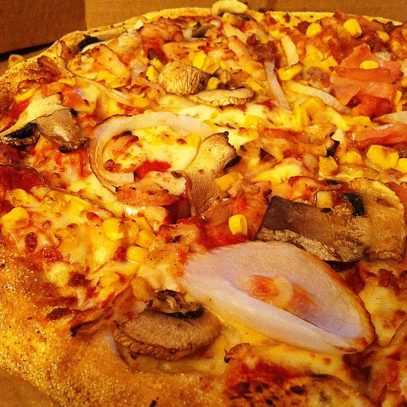 Pizza With Mushrooms And Onions