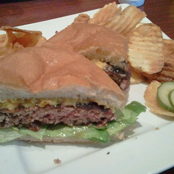 Black Angus Burger - Smoke On Cherry Street, Tulsa, OK
