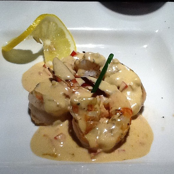 Grilled Shrimp With Pepper Cream