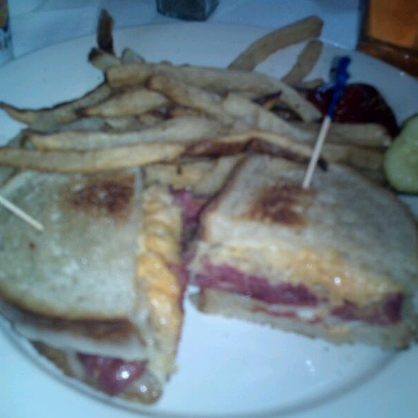 Reuben Sandwich - The Long Valley Pub & Brewery, Long Valley, NJ