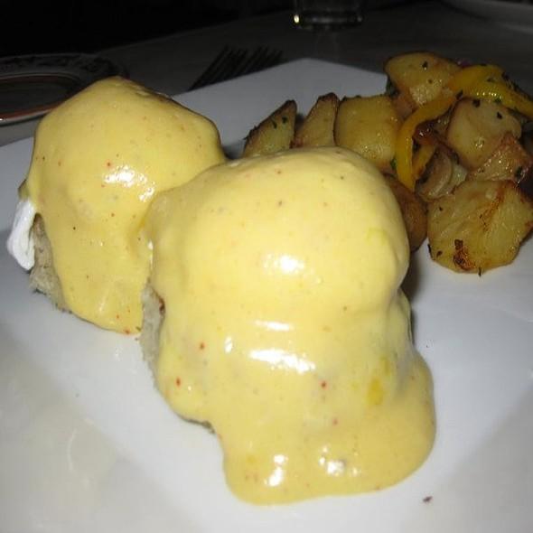 Eggs Benedict @ Scala's Bistro